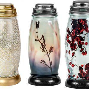 Bolsiuksen lasisissa kynttilyhdyissä on kolme eri kuva-aihetta